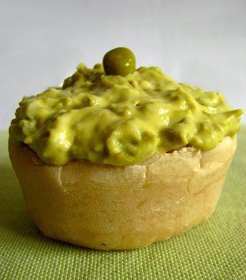 Mini Quiche z Kaszą Jęczmienną i Zielonym Puree