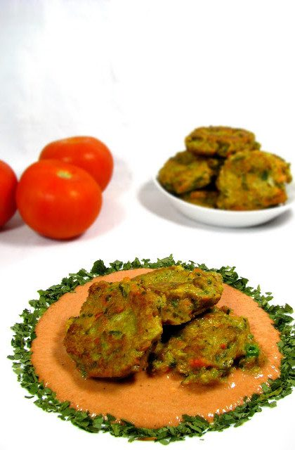 Kotlety z Warzyw w Sosie Pomidorowym
