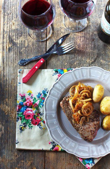 Stek z Cebulą