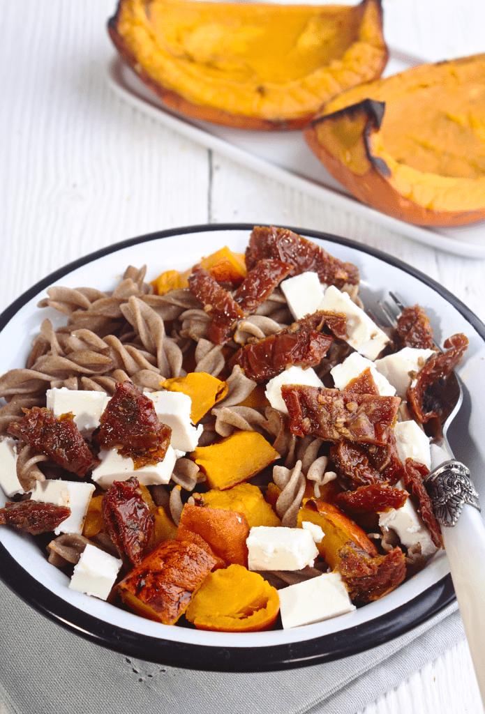 Makaron z Dynią, Fetą i Suszonymi Pomidorami
