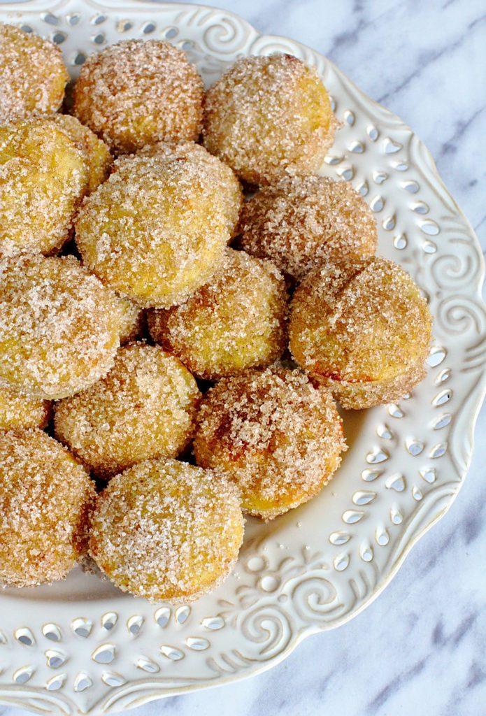 Pączki Pieczone z Jabłkiem i Cynamonem