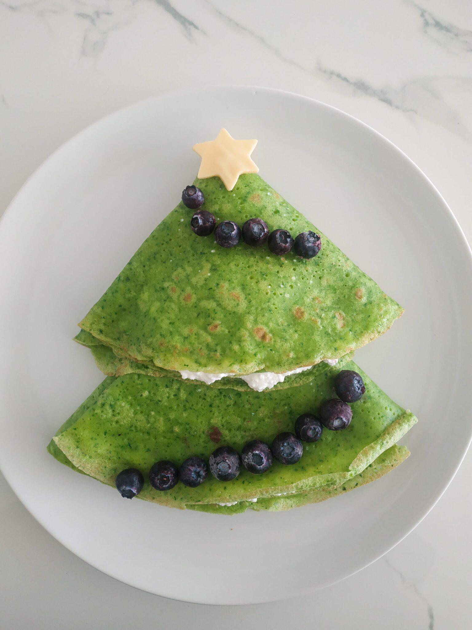 choinka z zielonych naleśników ze szpinakiem
